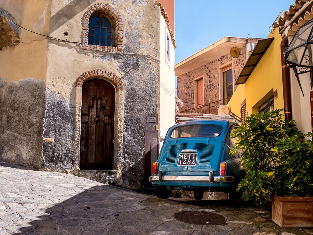 taormina, sicily | curatedlifestudio.com