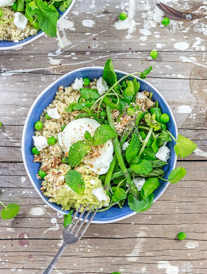 quinoa, smashed avocado and almond dukkah nourishing bowl | curatedlifestudio.com