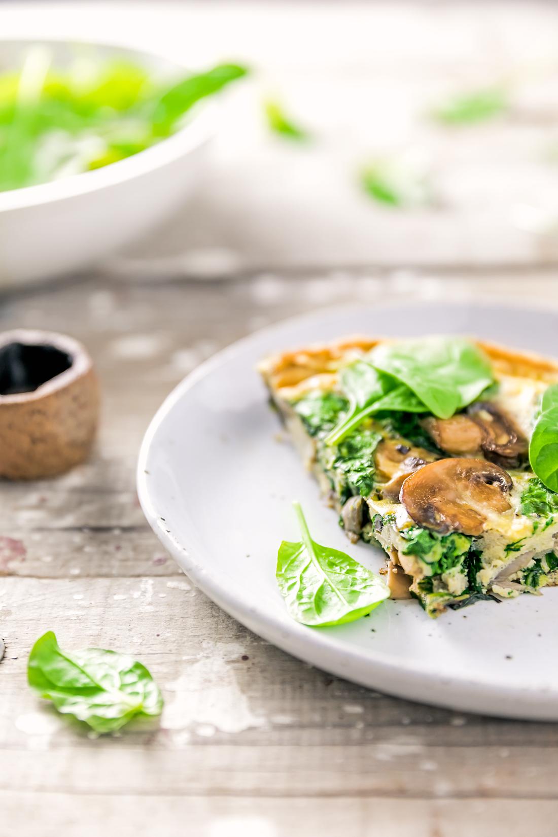 mushroom & spinach frittata recipe | www.curatedlifestudio.com