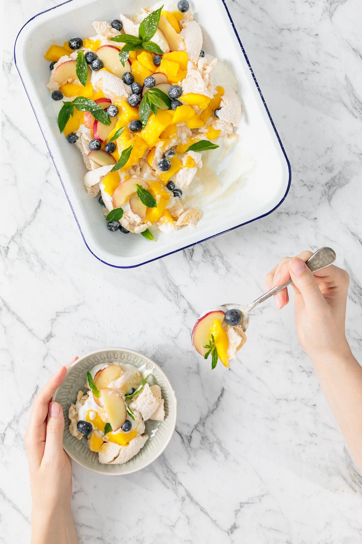 mango & nectarine smashed vegan pavlova | www.curatedlifestudio.com