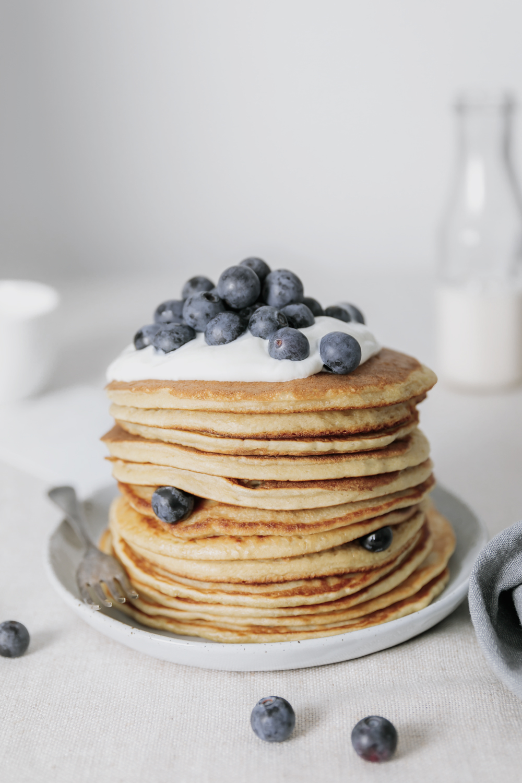 easy pancake recipe, vegan   curatedlifestudio.com