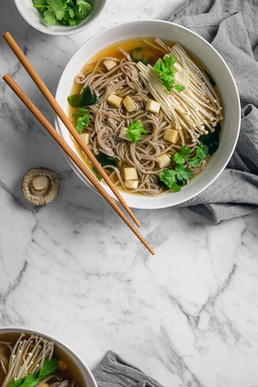 vegan miso soup with soba noodles and enoki mushrooms  |  www.curatedlifestudio.com