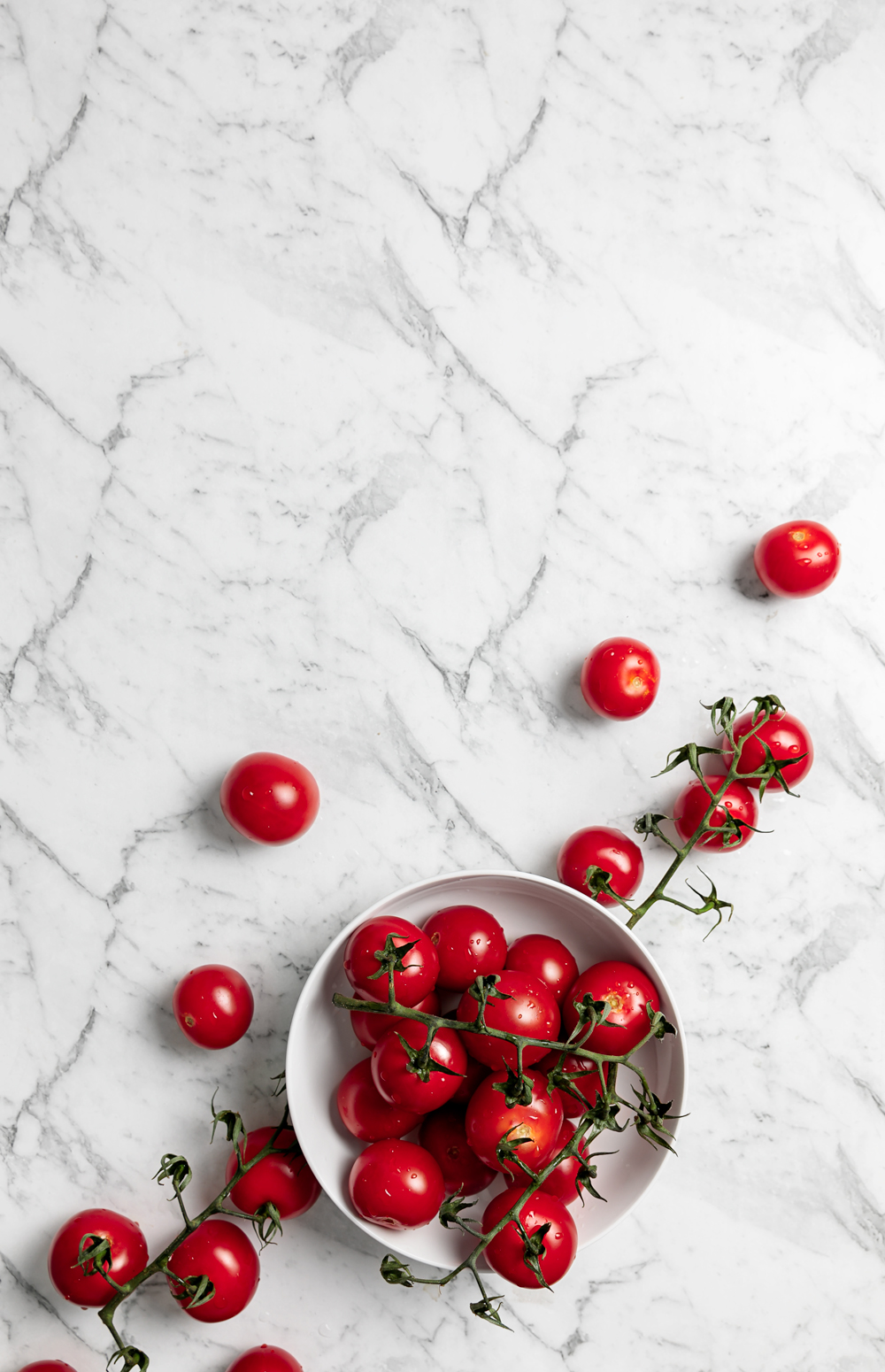 bowl of cherry tomatoes | www.curatedlifestudio.com